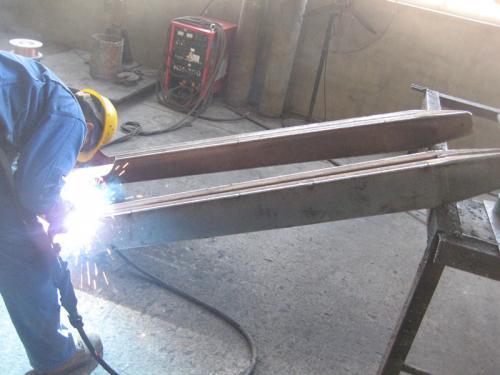 Fabrieksuitsig1